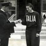 15 Ondina tuta Italia con postino