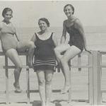 53 Ondina foto al mare costume con amiche o parenti